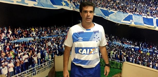 Júnior Lopes, auxiliar técnico do Cruzeiro, concedeu entrevista ao UOL Esporte