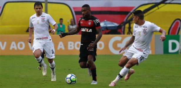 Resultado de imagem para Vitória e Corinthians têm final dramático e ficam no empate no Barradão