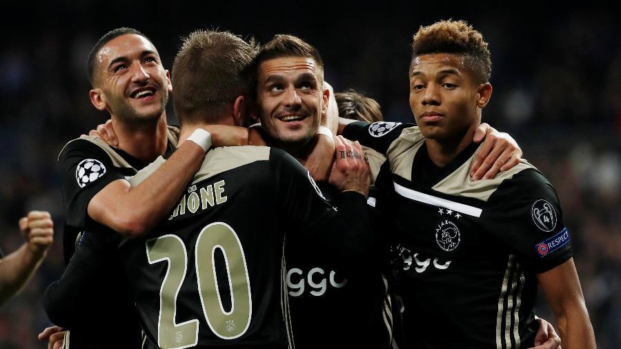 Jogadores do Ajax comemoram gol contra o Real Madrid - REUTERS/Susana Vera