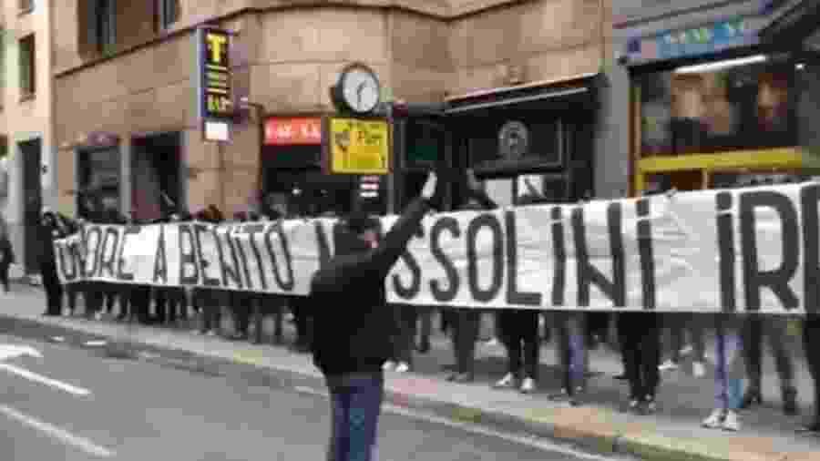 Torcedores da Lazio fazem ato em homenagem a Mussolini, ex-ditador italiano - Reprodução