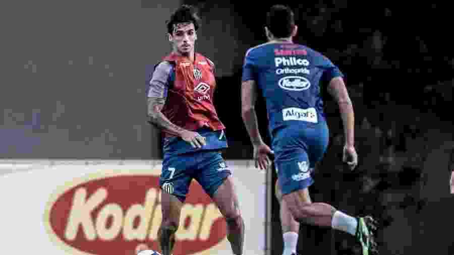 Bryan Ruiz é marcado por Diego Pituca em treino do Santos - Ivan Storti/Santos FC