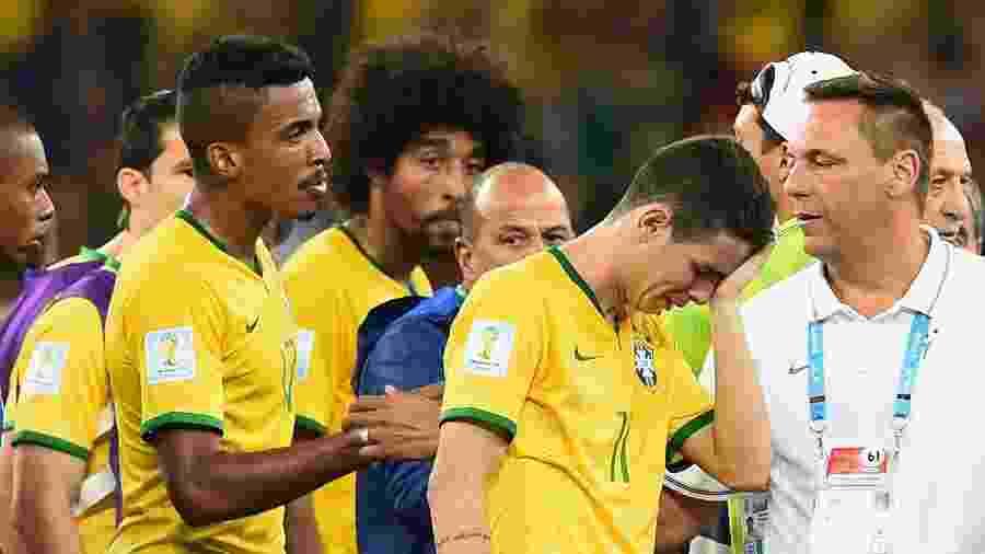 Jogadores da seleção brasileira choram após derrota por 7 a 1 para Alemanha - Buda Mendes/Getty Images