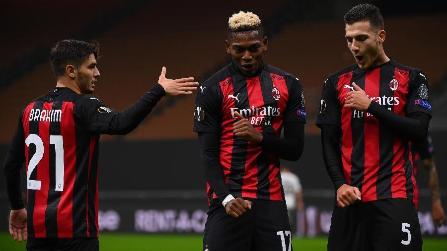 Rafael Leão comemora o gol do Milan contra o Sparta Praga na Liga Europa - MARCO BERTORELLO/AFP