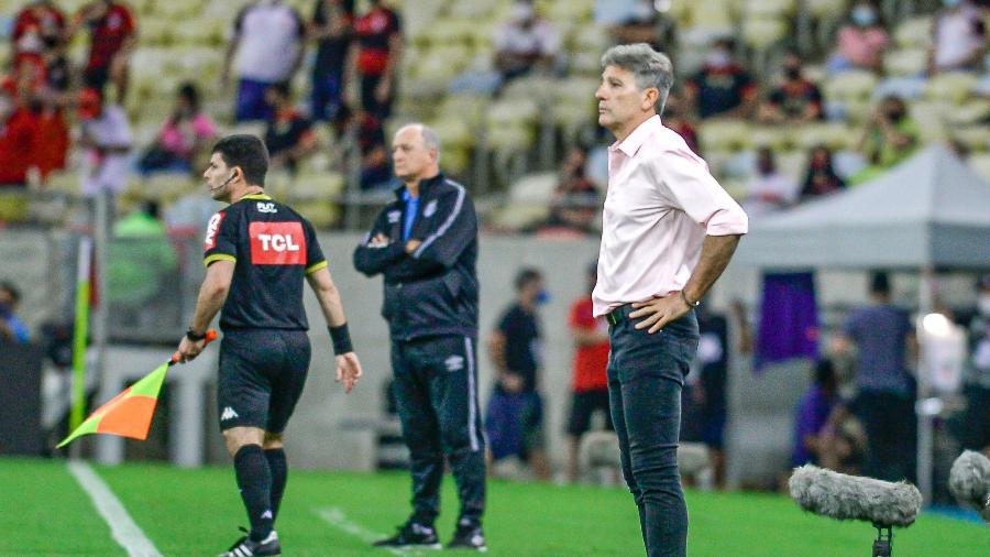 Renato Gaúcho e Felipão na área técnica, em partida entre Flamengo e Grêmio, no Maracanã - Marcelo Cortes/CRF