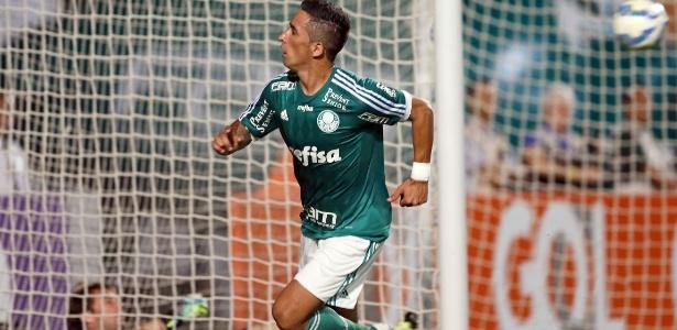 Barrios terminou a temporada 2015 como titular do Palmeiras