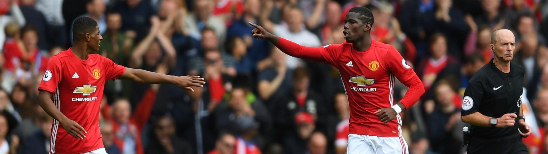 Pogba comemora gol do United contra o Leicester
