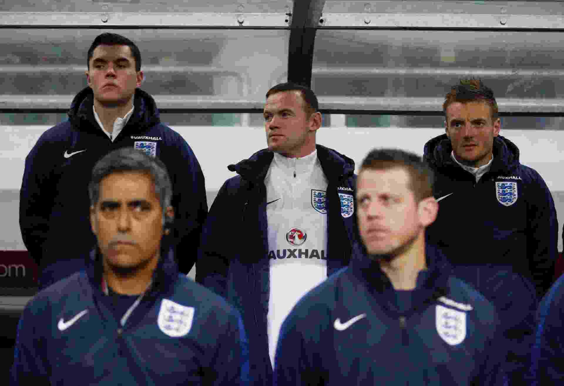 Wayne Rooney começou no banco de reservas da Inglaterra - Reuters / Carl Recine