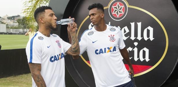 Kazim e Jô conversam em treino do Corinthians: juntos em Mirassol - Daniel Augusto Jr/Agência Corinthians