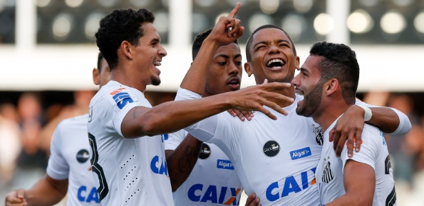 David Braz soma 15 gols com a camisa do Santos, cinco a menos que Alex
