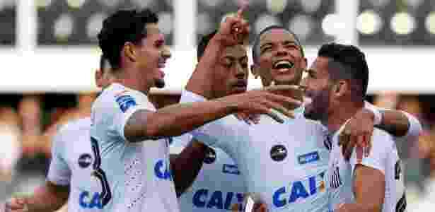 Lucas Veríssimo é considerado hoje no Santos o melhor zagueiro do elenco - Marcello Zambrana/AGIF