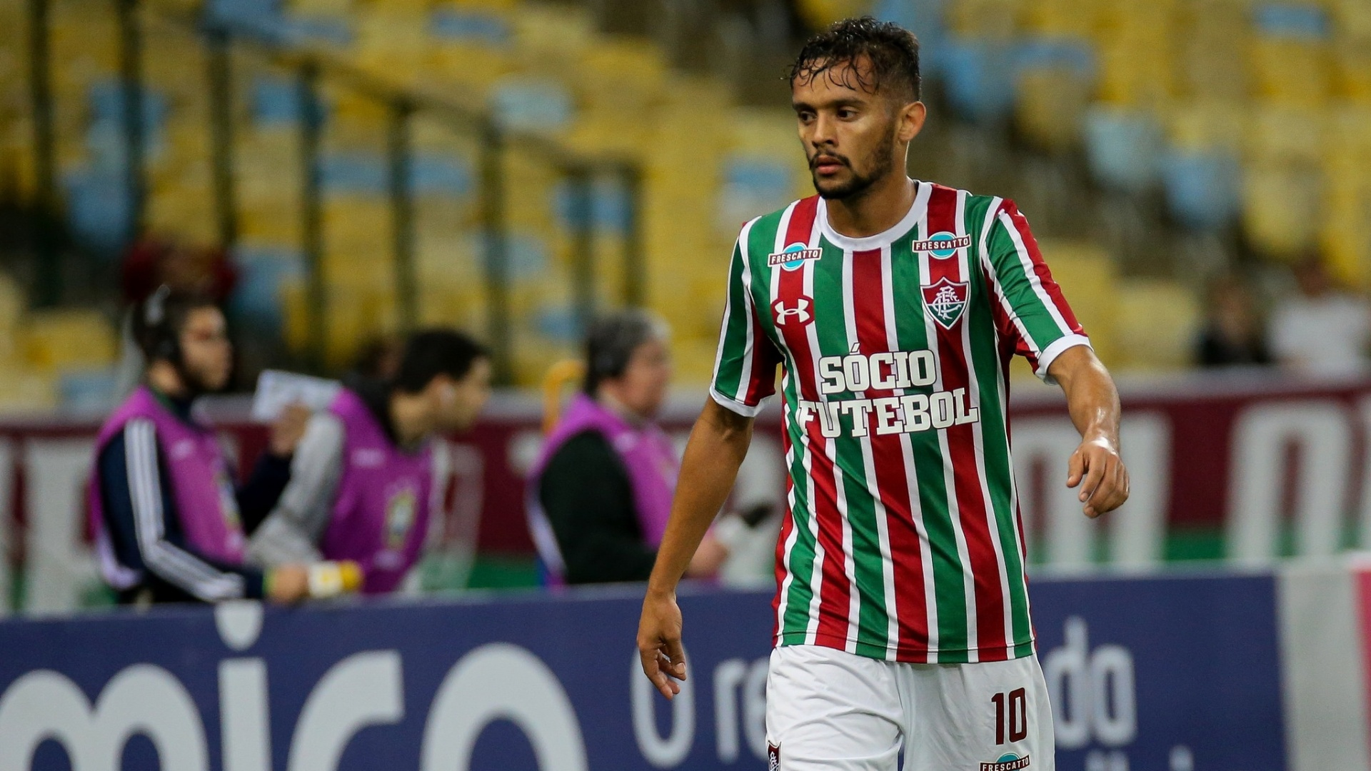 Gustavo Scarpa, do Fluminense, em jogo contra o Atlético-MG