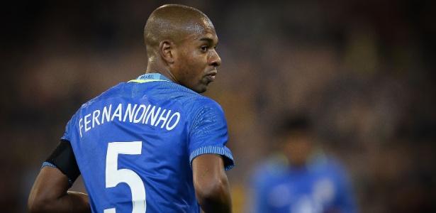 Fernandinho é um dos novos titulares de Tite para jogo na Colômbia