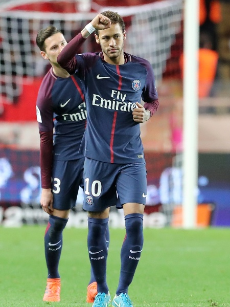 Neymar comemora gol do PSG contra o Monaco pelo Campeonato Francês - EFE/EPA/SEBASTIEN NOGIER