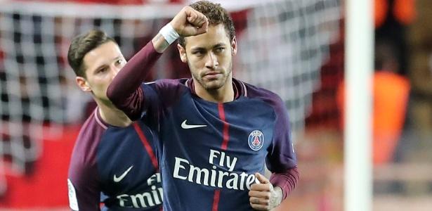 Neymar comemora gol marcado neste domingo, em vitória do PSG