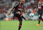 """Jonathan comemora renovação com Atlético-PR até 2020: """"nome na história"""" - Instagram/Arquivo pessoal"""