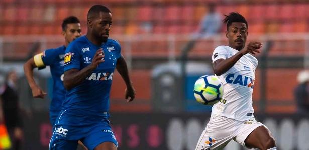 Cruzeiro estuda voltar a fazer contato com o Santos para levar Bruno Henrique