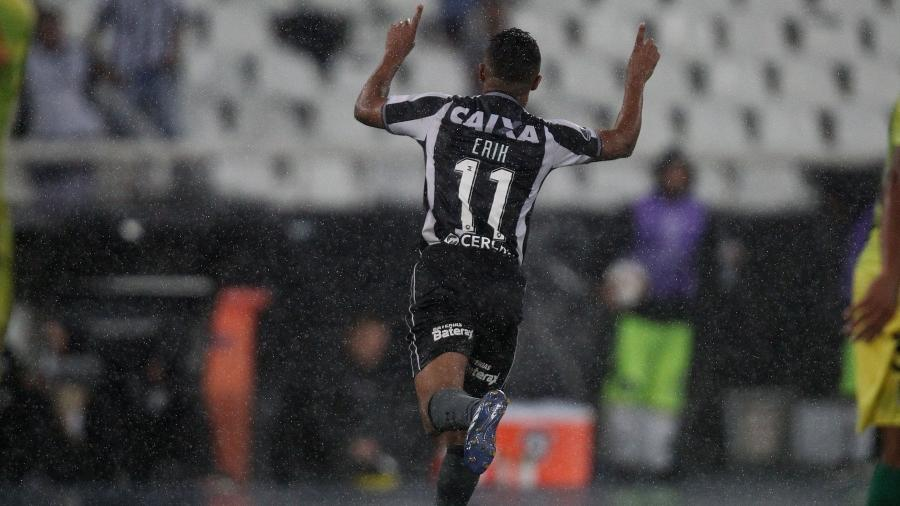 Erik voltou com tudo ao Botafogo e já virou referência do time em poucos jogos - VITOR SILVA/SSPRESS/BOTAFOGO
