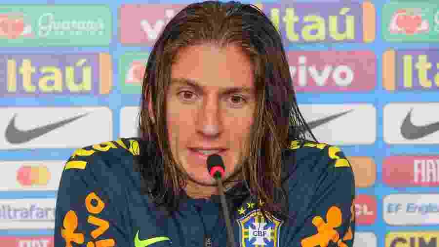 Filipe Luis reclamou de banho gelado após treino da seleção no Pacaembu - Jales Valquer/Estadão Conteúdo