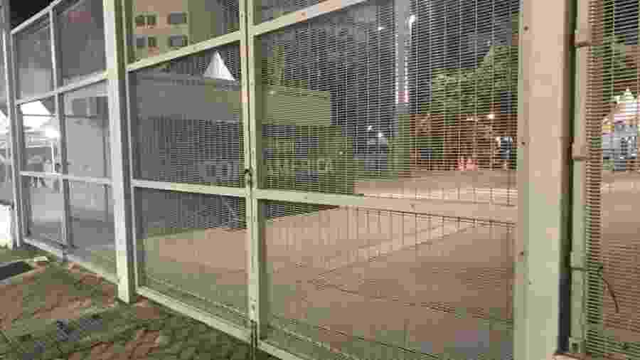 Portão de acesso ao Maracanã antes de Uruguai x Chile pela Copa América: local foi invadido em 2014 - UOL
