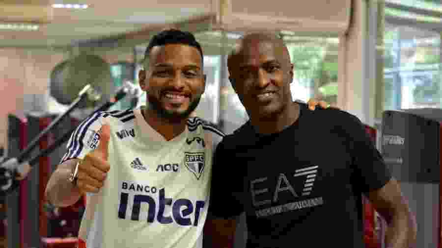 São Paulo publica foto com Reinaldo, lateral, e Reinaldo, atacante - divulgação/São Paulo