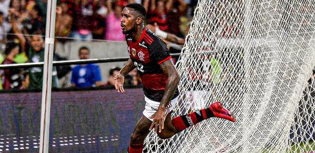 Gerson evita rebater Juninho Paulista e diz que 1o pensa no Flamengo