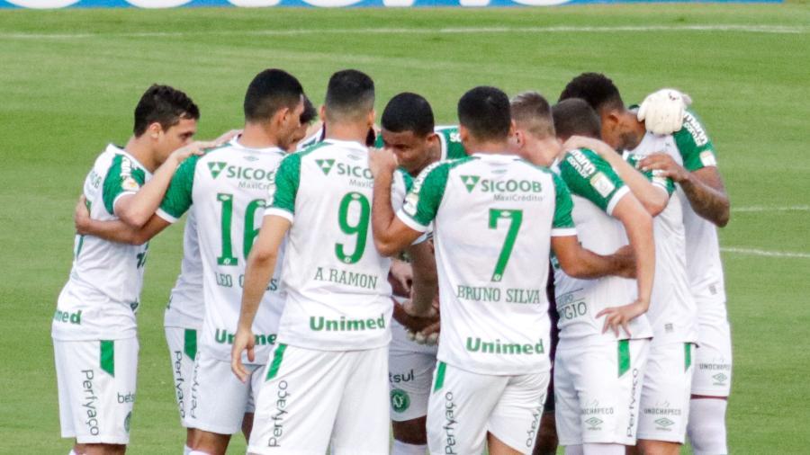 Chape foi rebaixada em 2019, campeã da Série B seguinte e neste ano teria que mudar de rumo para não cair de novo - Rafael Vieira/AGIF