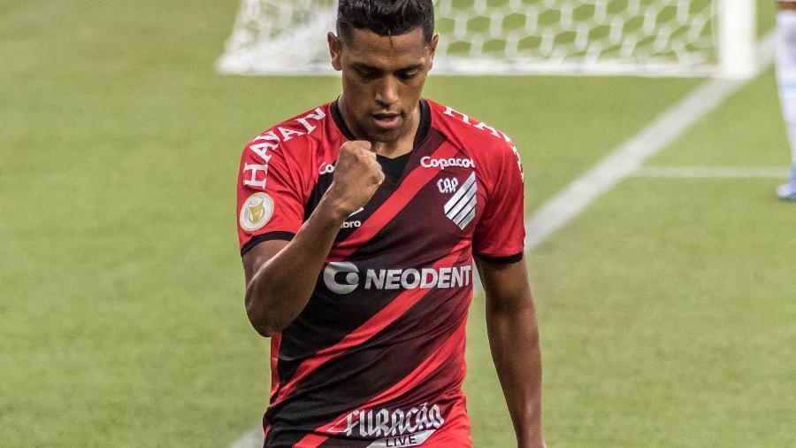 Atacante Pedro Rocha, do jogador do Athletico, foi alvo de racismo após a partida contra o Grêmio - Robson Mafra/Robson Mafra/AGIF