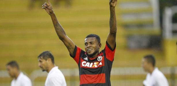 Marcelo Cirino tem negociação travada novamente e anúncio no Inter demora