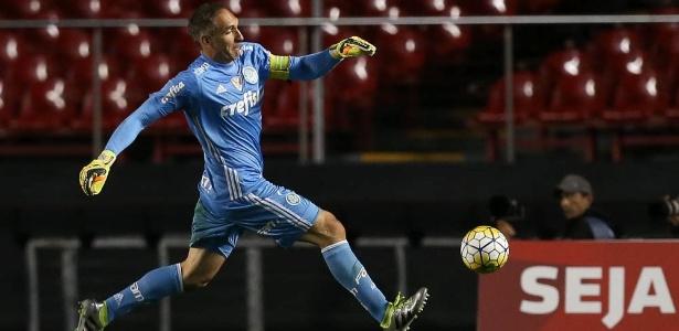 Fernando Prass foi melhor jogador em campo do Palmeiras no clássico