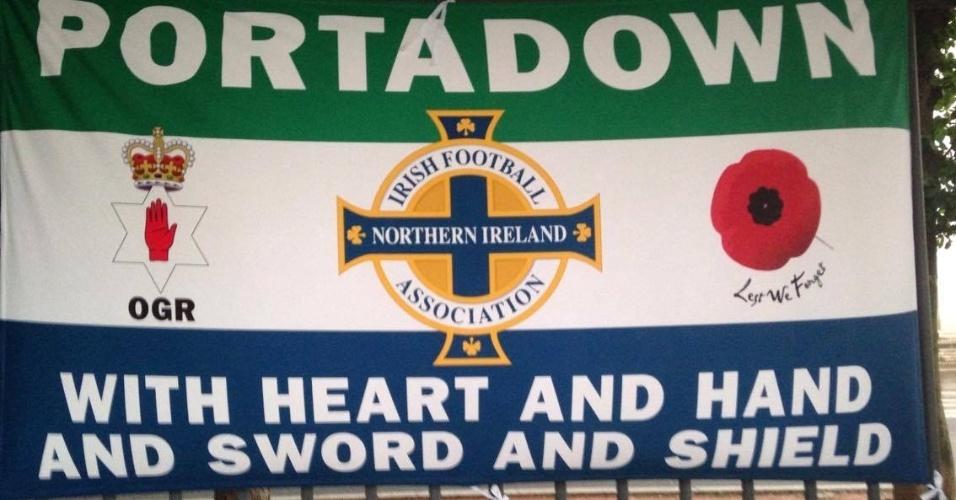 Bandeira da Irlanda do Norte são penduradas em vários lugares de Lyon