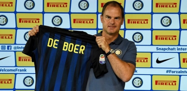 Frank De Boer foi técnico do Ajax durante mais de cinco anos; agora, assume a Inter