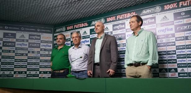 Novo presidente (ao centro) herda diretoria semelhante à de Paulo Nobre