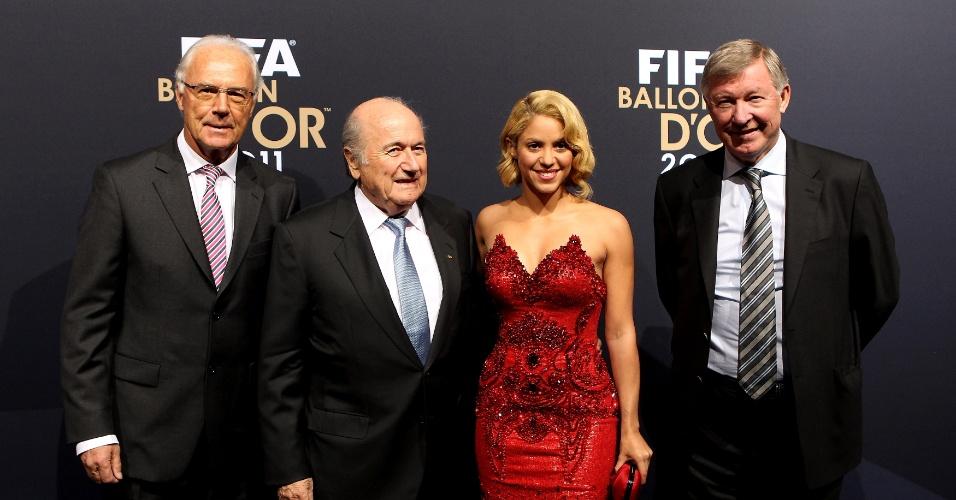 Shakira foi alvo de muitos cliques durante a festa de melhor do mundo em 2011 com seu vestido vermelho