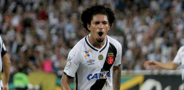Douglas vibra com seu gol na final da Taça Rio contra o Botafogo: novo Paulinho?
