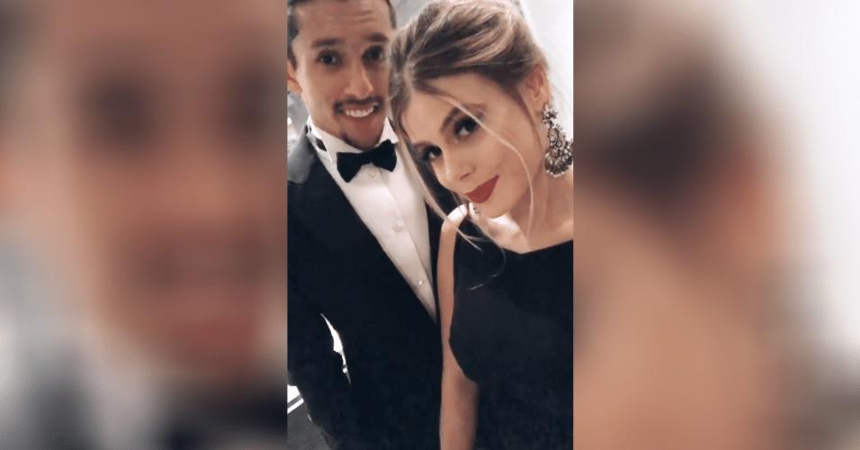 Marquinhos e sua esposa, Carol Cabrino, estão prontos para a grande festa