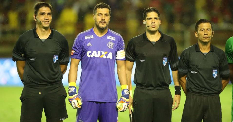 Contra o Boavista, o goleiro Julio Cesar reestreia pelo Flamengo