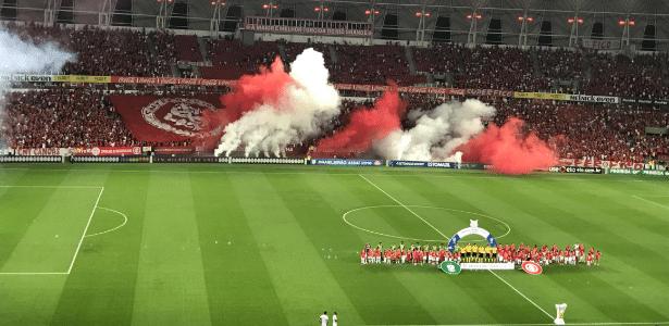 Torcida do Internacional faz festa no Beira-Rio antes de a bola rolar contra o América-MG - Divulgação/SC Internacional