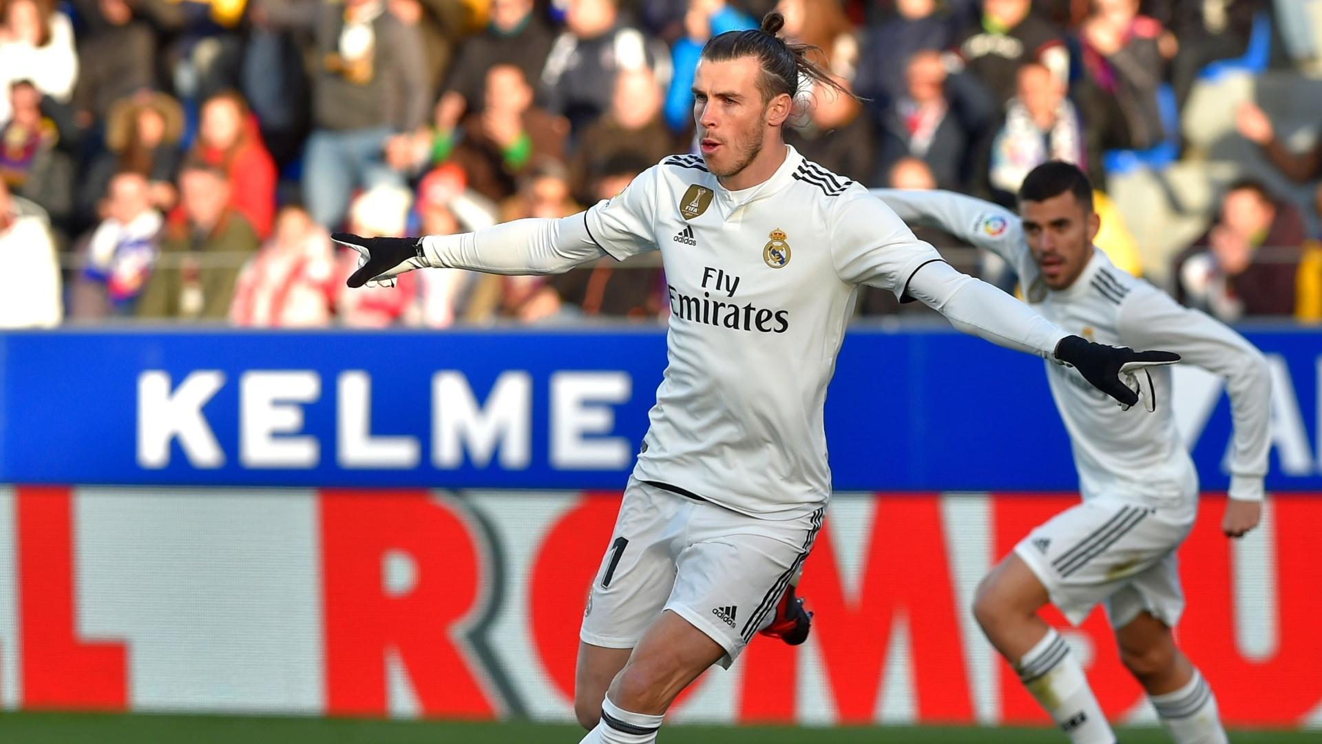 Gareth Bale comemora gol marcado para o Real Madrid contra o Huesca