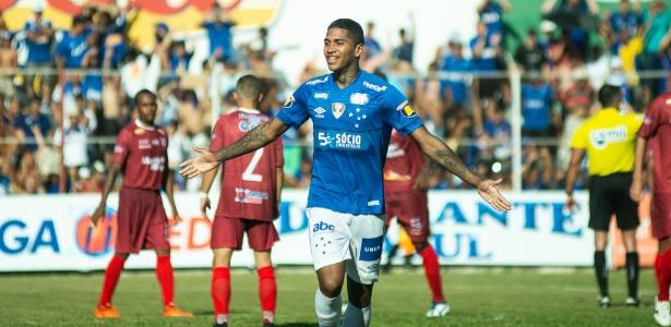 Raniel foi procurado para reforçar a equipe de Jorge Sampaoli. Cruzeiro não quer liberá-lo - Bruno Haddad/Cruzeiro