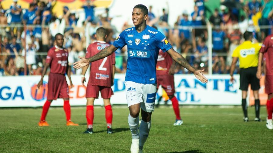Raniel comemora um dos gols marcados pelo Cruzeiro na atual temporada - Bruno Haddad/Cruzeiro