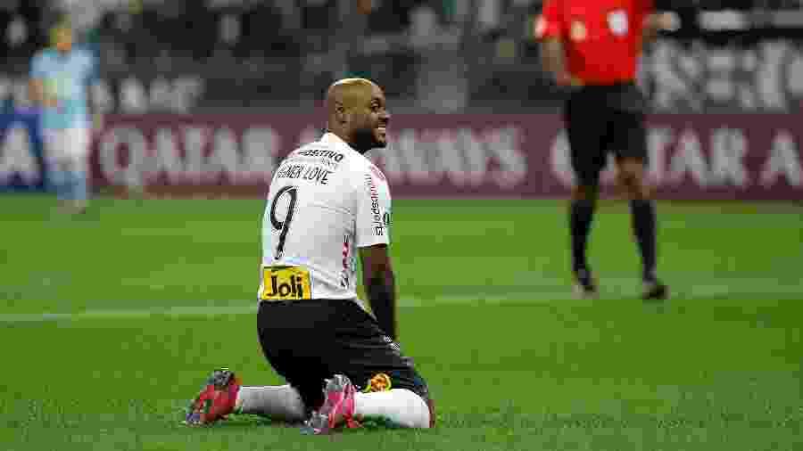 Centroavante Vagner Love lamenta chance perdida na Copa Sul-Americana - Daniel Vorley/AGIF