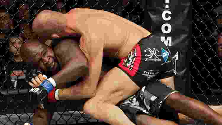 Randy Couture contra James Toney, no UFC 118 - Josh Hedges/Zuffa LLC via Getty Images - Josh Hedges/Zuffa LLC via Getty Images