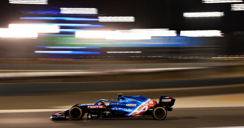Alonso voltou à F1 após dois anos, mas não conseguiu concluir a prova