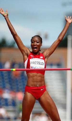 A americana Maya Pressley vibra após participar do salto em altura