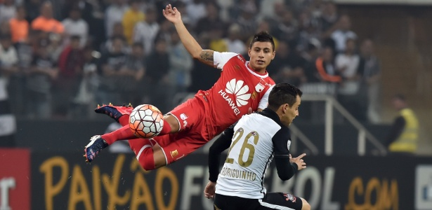 Corinthians joga no Paraguai para manter liderança do grupo na Libertadores