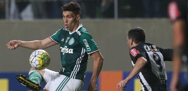Moisés foi um dos jogadores já liberados pelo Palmeiras