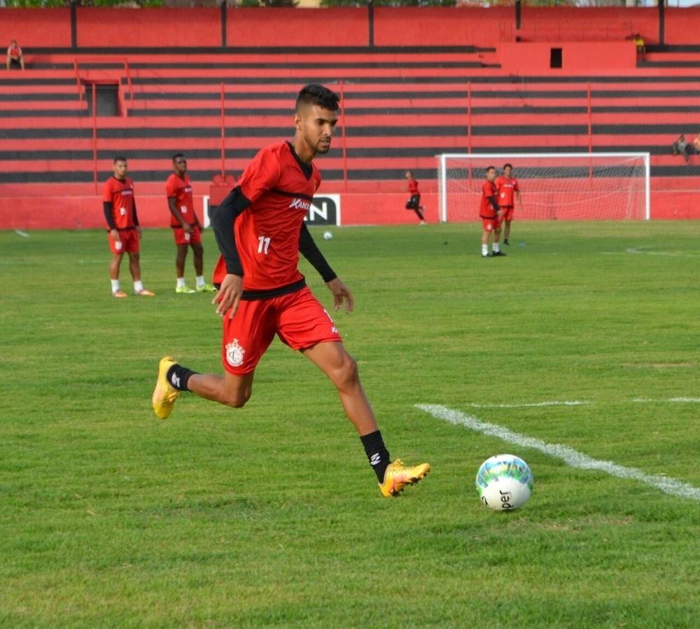 Santa Cruz acerta com destaque da Copa do Nordeste e anuncia Bruno Paulo -  29 05 2017 - UOL Esporte 0f586bffb53d2