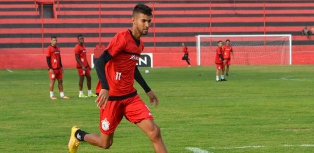 Augusto foi o destaque do Campinense-PB na Copa do Nordeste, com 3 gols - Divulgação / Campinense