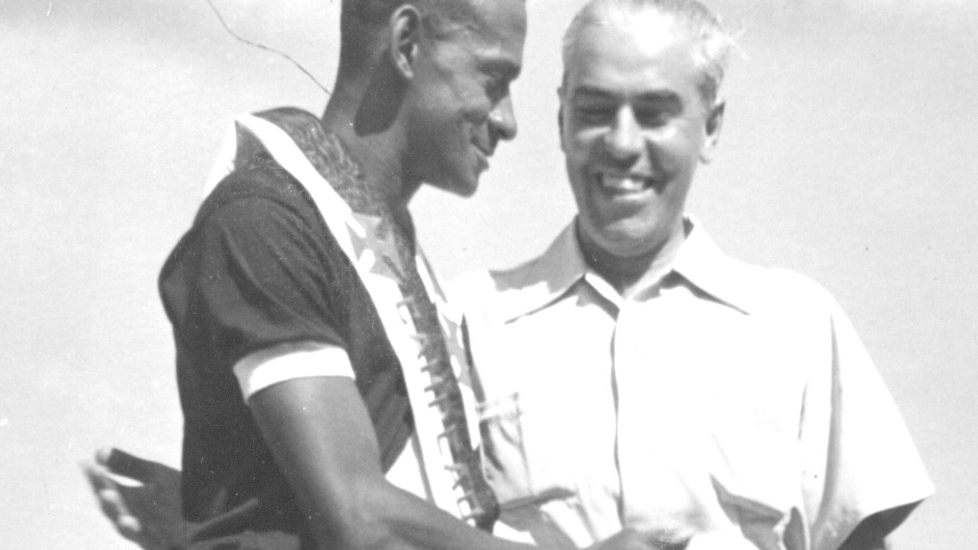 Alfredo II (à esquerda), jogador do Vasco