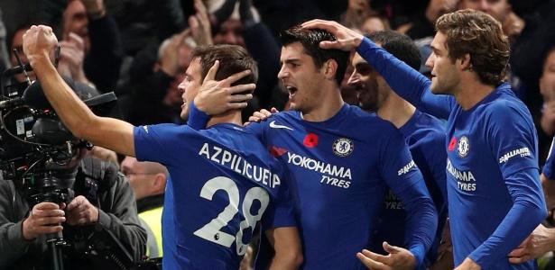 Jogadores do Chelsea comemoram gol de Morata